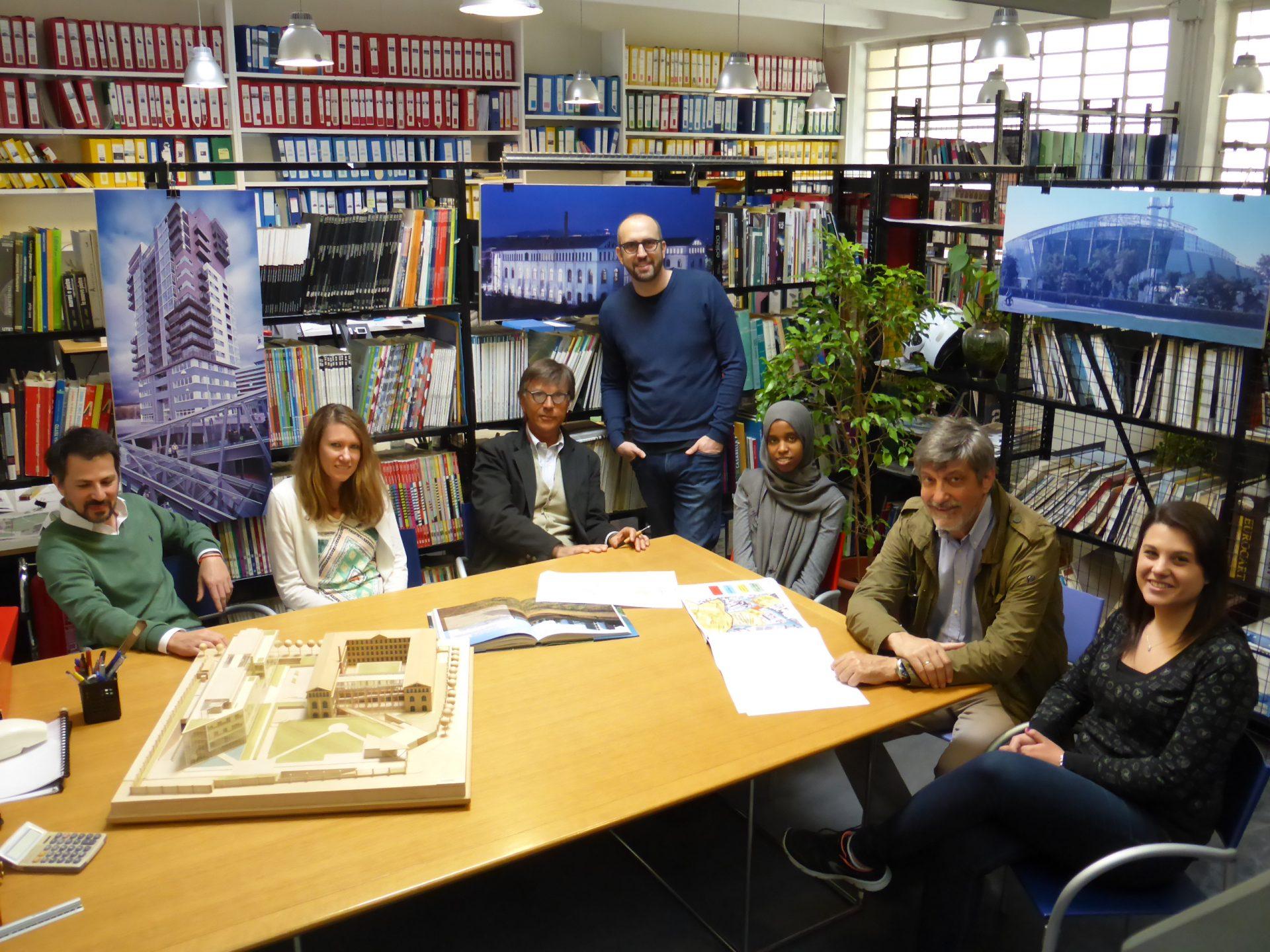 Fotografia dello studio di Architettura e del team di lavoro