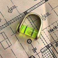 Un anello livella su disegno architettonico
