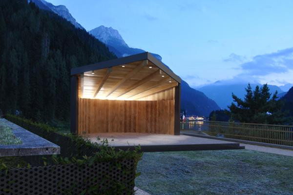 Il nuovo padiglione in centro ad Alleghe - rendering di progetto.