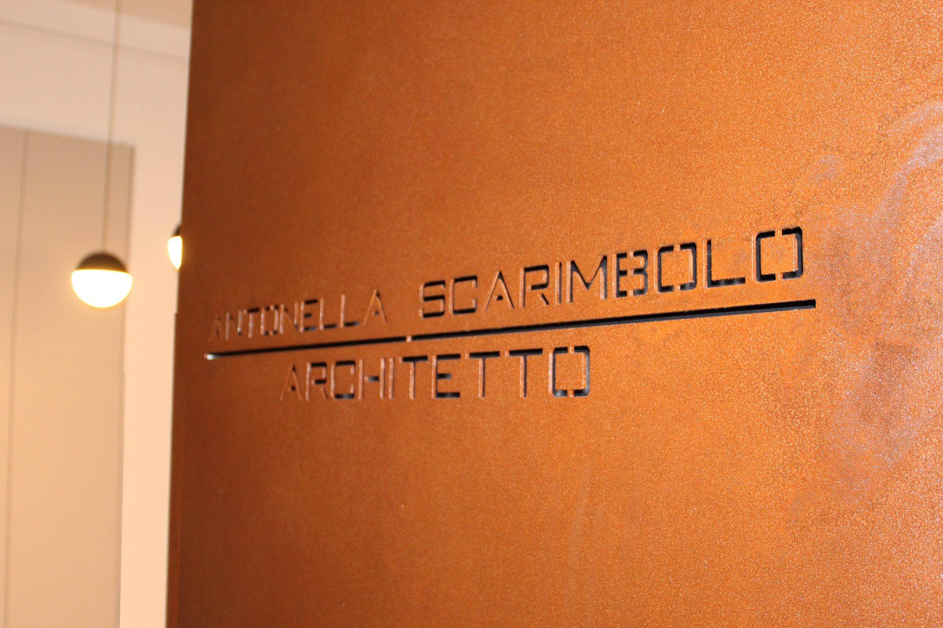 Porta dello studio di architettura