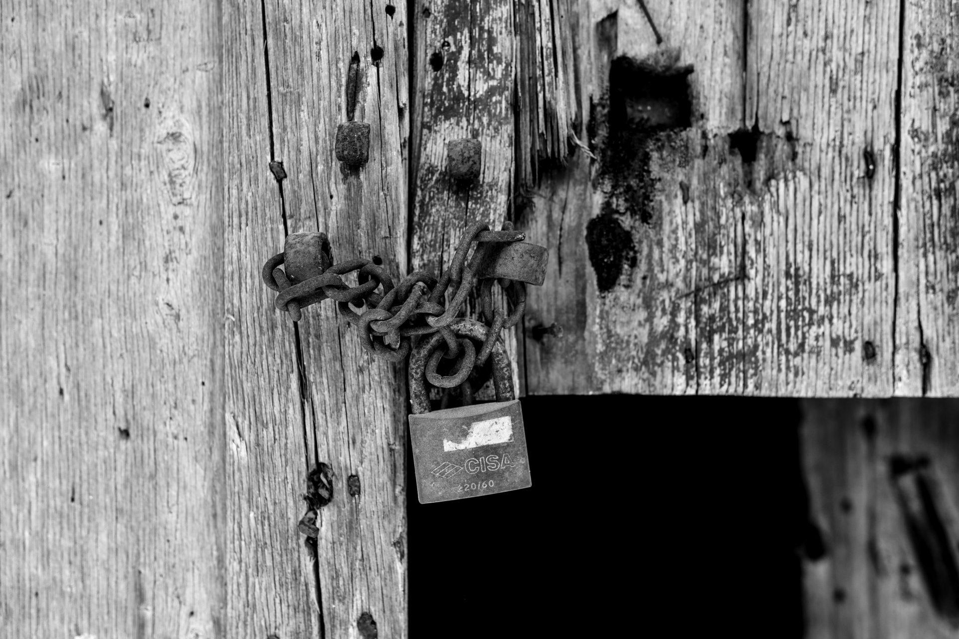 fotografia stralcio di un quartiere abbandonato - Centro Storico Rossano