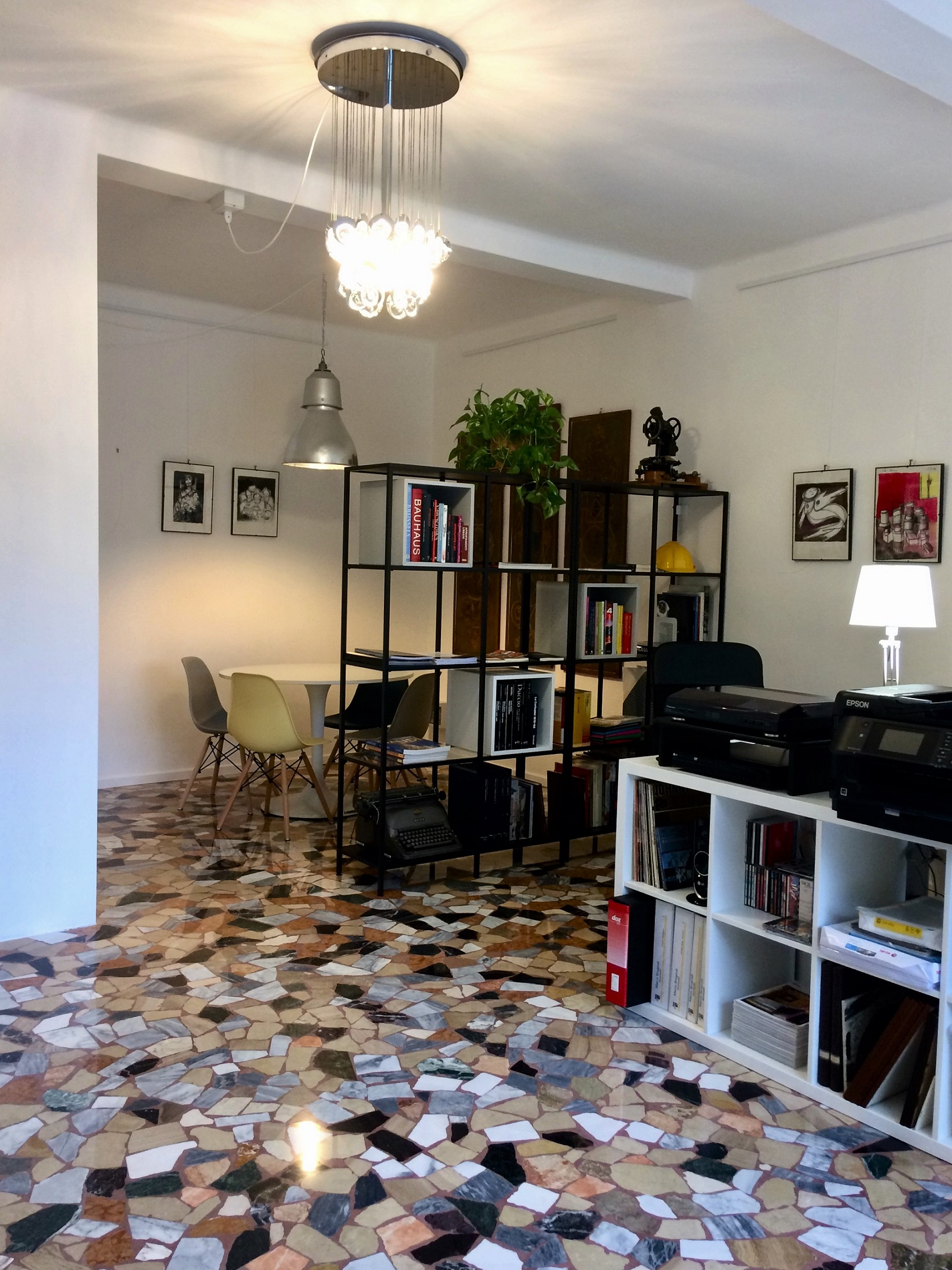 L'interno dello studio