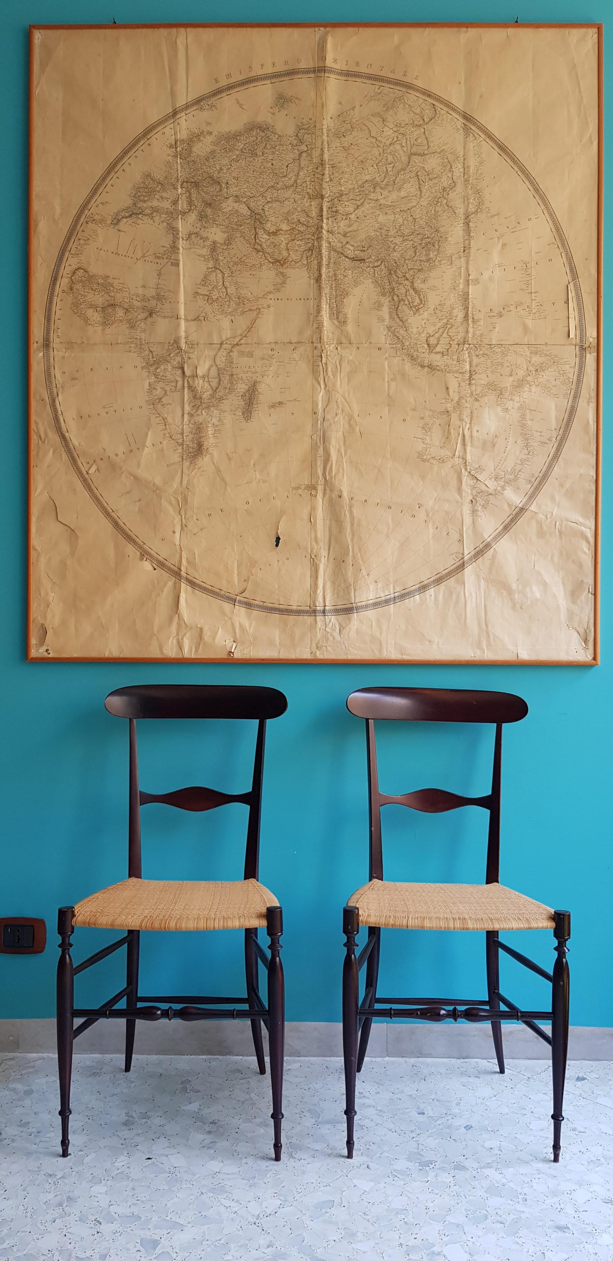 Una mappa per viaggiare seduti su una sedia icona del saper fare italico Chiavari 1956