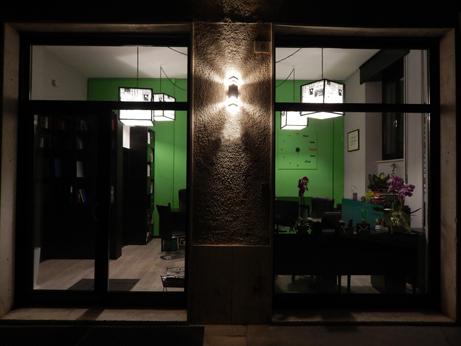 Foto notturna dello Studio Antonini Santini