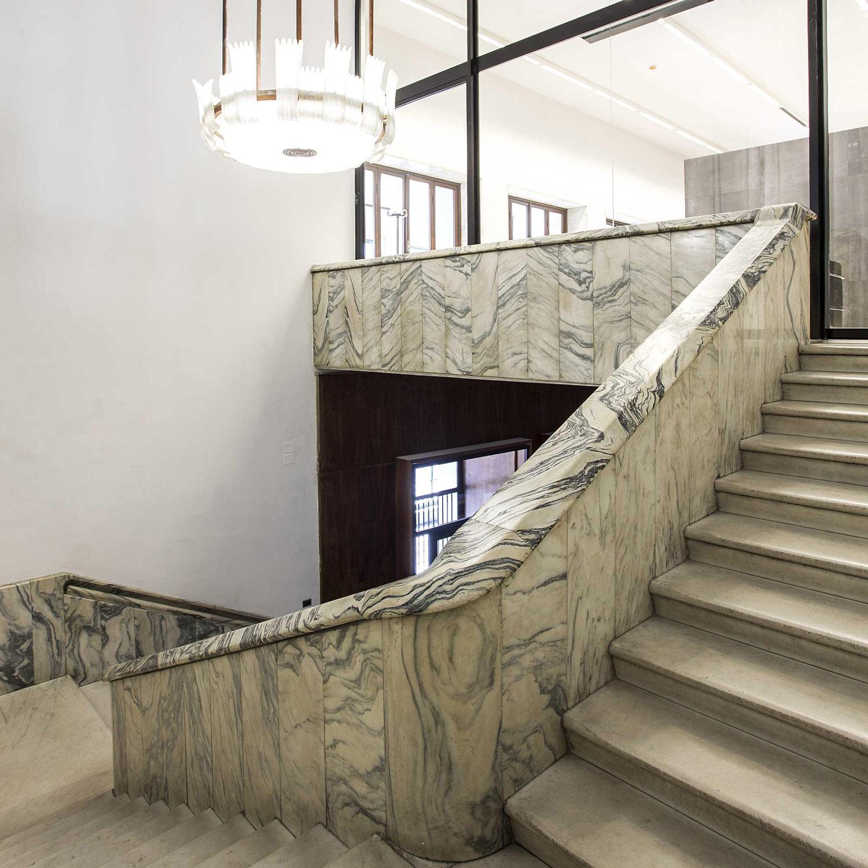 Fotografia delle scale di ingresso della Palazzina Reale di Firenze