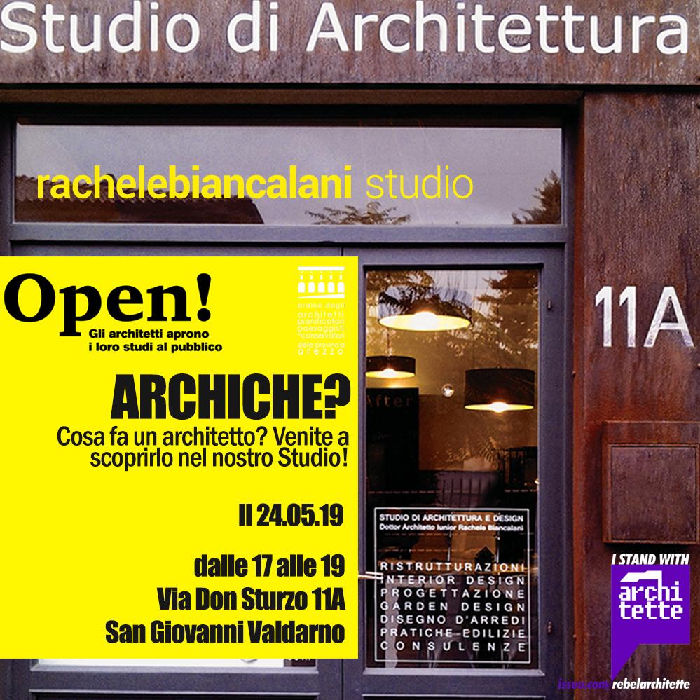 Fotografia della vetrina di uno studio di architettura aperto al pubblico il 24 maggio