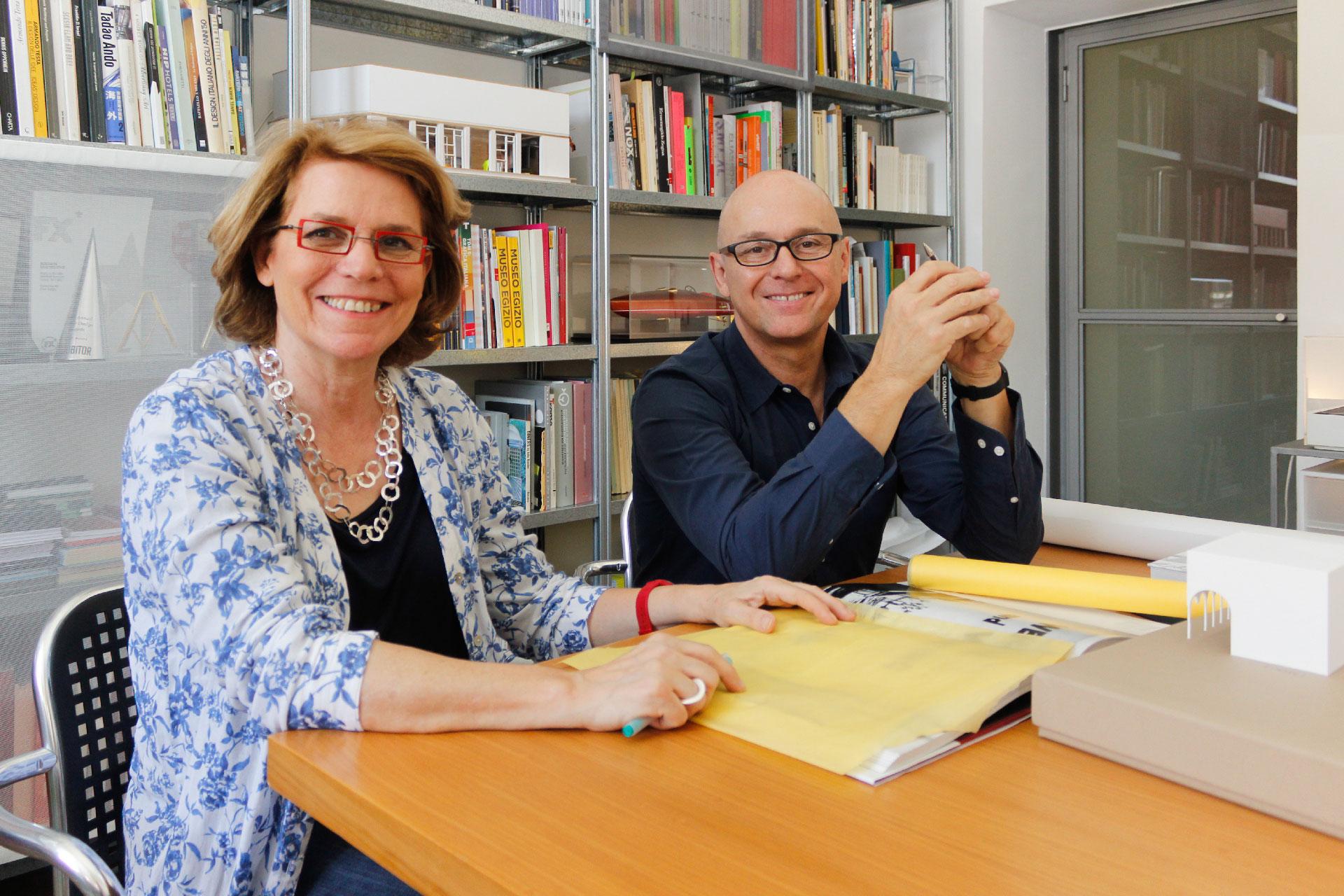 Ico Migliore e Mara Servetto nel loro studio milanese.