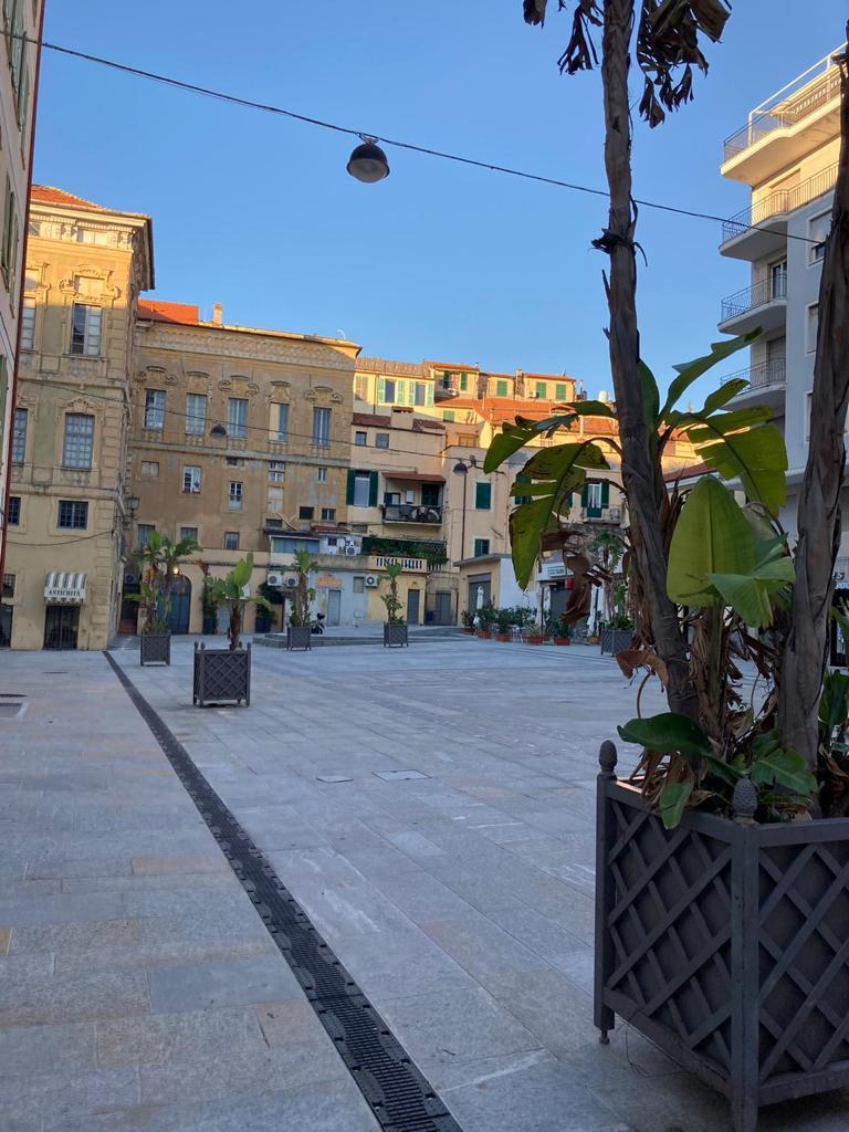 Foto Piazza Borea d'Olmo dove si svolgerà evento collettivo Ordine Architetti Imperia